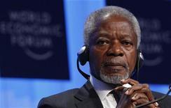 <p>Бывший генеральный секретарь ООН Кофи Аннан на Международном экономическом форуме в Давосе 29 января 2010 года. 26 марта 2004 года генеральный секретарь ООН Кофи Аннан открыл Мемориальную конференцию в память жертв геноцида в Руанде в 1994 году. REUTERS/Michael Buholzer</p>