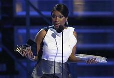 <p>Jennifer Hudson accepts her Grammy for Best R&B Album at the 51st annual Grammy Awards in Los Angeles, February 8, 2009. REUTERS/Lucy Nicholson</p>
