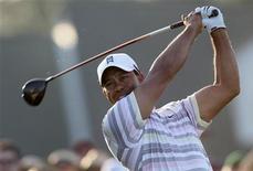 <p>Tiger Woods faz rodada de treino para o torneio US Masters 2010. Os olhos do mundo do golfe estarão fixados no campo de Augusta às 16h (de Brasília) desta segunda-feira, quando Woods vai se encontrar com a mídia global antes de seu aguardado retorno às competições, no US Masters desta semana. 05/04/2010 REUTERS/Hans Deryk</p>