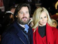 "<p>Actor Jim Carrey and his partner Jenny McCarthy arrive for the world premiere of ""A Christmas Carol"" at Leicester Square in London November 3, 2009. REUTERS/Toby Melville</p>"