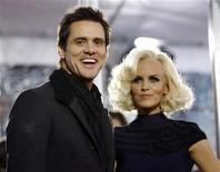 <p>Jim Carrey e Jenny McCarthy in foto d'archivio. REUTERS/Mario Anzuoni</p>
