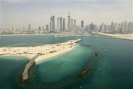 An aerial view of the Dubai Marina is seen during the UIM XCat Powerboat Championships in Dubai, April 6, 2010. REUTERS/Mohammed Salem