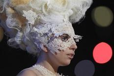 """<p>Cantora Lady Gaga, que caminha para liderar as paradas britânicas de álbuns com """"The Fame"""". REUTERS/Suzanne Plunkett</p>"""