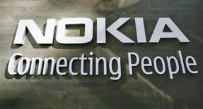 <p>Nokia annonce le lancement en Chine de son service de téléchargement musical illimité, misant ainsi sur le premier marché mondial d'utilisateurs de téléphones mobiles pour contrer la domination d'Apple avec iTunes. /Photo d'archives/REUTERS/Bob Strong</p>