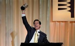 <p>Stephen Colbert, vincitore nel 2008 di un Webby Award per il telegiornale satirico The Colbert Report, in foto d'archivio. REUTERS/Eric Thayer</p>