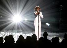 "<p>Whitney Houston performs ""I Didn't Know My Own Strength"" at the 2009 American Music Awards in Los Angeles, November 22, 2009. REUTERS/Mario Anzuoni</p>"