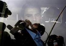 <p>Adrian Mutu in foto d'archivio. REUTERS/Alessandro Bianchi</p>