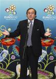 <p>Президент УЕФА Мишель Платини на пресс-конференции после встречи с президентом Украины Виктором Януковичем в Киеве 8 апреля 2010 года. Сборной Франции не под силу выиграть грядущий чемпионат мира в ЮАР, считает президент УЕФА Мишель Платини. REUTERS/Konstantin Chernichkin</p>