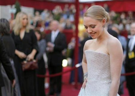 Actress Amanda Seyfried arrives at the 82nd Academy Awards in Hollywood, March 7, 2010. REUTERS/Brian Snyder