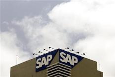 <p>L'allemand SAP, spécialiste des logiciels de gestion, a enregistré une croissance de son chiffre d'affaires et de son bénéfice d'exploitation supérieure à 10% au titre du premier trimestre, signe d'un rebond des investissements des entreprises. /Photo d'archives/REUTERS/Punit Paranjpe</p>
