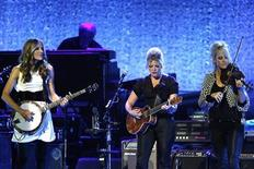 <p>The Dixie Chicks (from L-R) Emily Robison, Natalie Maines and Martie Maguire perform at the opening night of the Nokia Theatre L.A. Live in Los Angeles October 18, 2007. REUTERS/Mario Anzuoni</p>