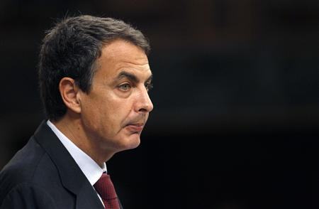 Spain's Prime Minister Jose Luis Rodriguez Zapatero speaks during a parliamentary session in Madrid, May 12, 2010. REUTERS/Juan Medina
