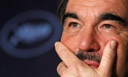 """<p>Diretor Oliver Stone participa de coletiva durante o festival de cinema de Cannes por seu filme """"Wall Street - O Dinheiro Nunca Dorme"""". REUTERS/Christian Hartmann</p>"""