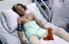 <p>Il piccolo Ruben van Assouw in ospedale. REUTERS/Stringer</p>
