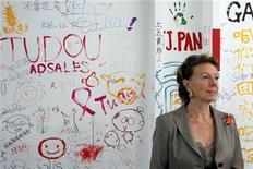 <p>17 maggio 2010, Neelie Kroes, vice presidente della Commissione Europea, a margine della conferenza presso la sede di Toudou.com a Shanghai. REUTERS/Aly Song</p>