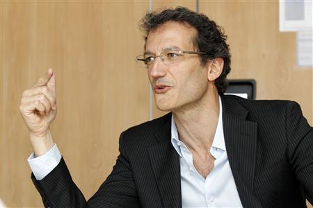 Dan Serfaty, CEO of Viadeo, speaks during the Reuters Global Technology Summit in Paris May 18, 2010. REUTERS/Stringer