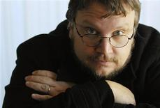 <p>Guillermo Del Toro poses in Beverly Hills, California, in this December 18, 2006 file photo. REUTERS/Chris Pizzello/Files</p>