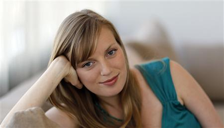 Actress Sarah Polley who stars in the upcoming movie ''Splice'' poses for a portrait in Hollywood, California May 22, 2010. A few years ago, actress Sarah Polley became a bonafide filmmaker, walking Oscars' red carpet with her 2006 directing debut ''Away From Her,'' which earned her a best adapted screenplay nomination. On Friday, she stars in sci-fi horror thriller ''Splice,'' portraying a scientist in a human engineering experiment run amok. Picture taken May 22, 2010. REUTERS/Mario Anzuoni