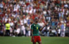 <p>O atacante camaronês Samuel Eto'o foi expulso no amistoso contra Portugal. 01/06/2010 REUTERS/Rafael Marchante</p>