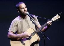 "<p>Musician Jack Johnson performs at Apple's ""Let's Rock"" media event in San Francisco, California September 9, 2008. REUTERS/Robert Galbraith</p>"