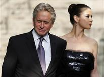 <p>Honoree Michael Douglas and his wife actress Catherine Zeta-Jones arrive for The Film Society of Lincoln Center's 2010 Chaplin Award Gala in New York City May 24, 2010. REUTERS/Jessica Rinaldi</p>