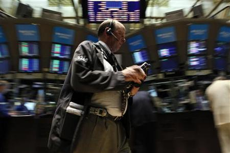 Traders work on the floor of the New York Stock Exchange June 11, 2010. REUTERS/Brendan McDermid