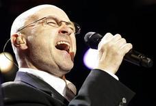 """<p>Phil Collins se apresenta no show """"Up Close & Personal: Phil Collins Plays '60s Motown and Soul"""" no 44o Festival de Jazz de Montreux. 01/07/2010 REUTERS/Denis Balibouse</p>"""