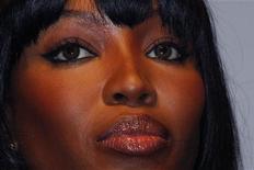 """<p>Naomi Campbell participa de um evento em Paris, na França, em junho. A modelo britânica concordou nesta sexta-feira em testemunhar num julgamento na corte de Haia sobre o chamado """"diamante de sangue"""" que, segundo os promotores, o ex-presidente da Libéria Charles Taylor deu a ela. 01/06/2010 REUTERS/Jacky Naegelen</p>"""