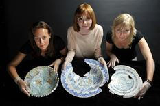 <p>17th century Delftware bowls found by archaeologists at a site in Southwark, London are seen in this undated handout photo. REUTERS/Museum of London/Handout</p>