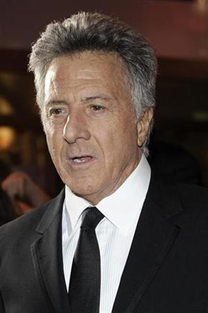 Actor Dustin Hoffman arrives to attend the 34th French film Cesar Awards ceremony in Paris February 27, 2009. REUTERS/Gonzalo Fuentes