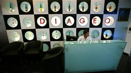 A receptionist sits at the office of Diageo, the world's largest alcoholic drinks maker, in Mumbai September 25, 2006. REUTERS/Prashanth Vishwanathan