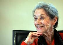 <p>Nobel Prize for literature laureate Nadine Gordimer attends a memorial for Nelson Mandela's biographer and former Drum editor late Anthony Sampson in Johannesburg February 8, 2005. REUTERS/Radu Sigheti</p>