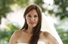 """<p>Foto de archivo de la actriz Angelina Jolie durante el estreno de la película """"Salt"""" en Cancún, México, jun 30 2010. Desde que 10 espías rusos fueron arrestados el mes pasado en Estados Unidos en lo que pareció ser un recuerdo de la Guerra Fría, muchos se han preguntando cómo agentes secretos pueden seguir operando en el 2010. REUTERS/Gerardo Garcia</p>"""