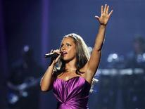 <p>Alicia Keys performs a medley of songs at the 2010 BET Awards in Los Angeles June 27, 2010. REUTERS/Mario Anzuoni</p>