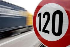 <p>A truck passes a 120 km/h (75 mph) speed limit sign on the A27 Autobahn near the northern German city of Bremen April, 10 2008. REUTERS/Morris Mac Matzen</p>