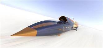 <p>Автомобиль Bloodhound SSC, Лондон 23 октября 2008 года. Группа британских разработчиков представила дизайн автомобиля, который, как планируется, сможет набрать скорость больше 1.000 миль (1.609 километров) в час. REUTERS/Curventa/Handout</p>