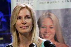 <p>Beth Holloway, whose daughter Natalee disappeared five years ago in Aruba, speaks at the launch of the Natalee Holloway Resource Center (NHRC), a non-profit resource center created to assist the families of missing persons founded by Holloway and the National Museum of Crime & Punishment, in Washington June 8, 2010. REUTERS/Joshua Roberts</p>