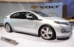 <p>The Chevrolet Volt during the Chicago Auto Show, February 11, 2009. REUTERS/John Gress</p>
