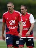 """<p>""""Franck Ribéry e Karim Benzema estão entre os principais jogadores da equipe"""", disse o treinador da seleção francesa Laurent Blanc. 02/09/2009 REUTERS/Charles Platiau</p>"""