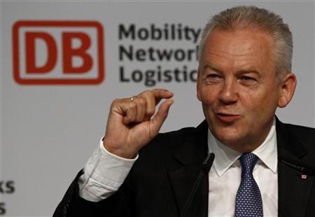 Deutsche-Bahn-Chef Rüdiger Grube während einer Bilanzpressekonferenz in Berlin am 28. Juli 2010. REUTERS/Fabrizio Bensch