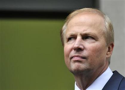 BP Managing Director Bob Dudley poses for the media outside BP's headquarters in London July 27, 2010. REUTERS/Toby Melville