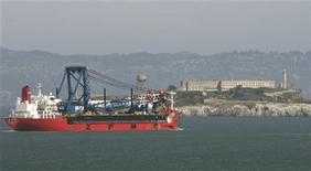 <p>Foto de archivo de un barco en las aguas de la bahía de San Francisco, EEUU, mar 12 2009. Los aficionados a las estrellas estarán pidiendo por un cielo despejado la noche del jueves en Gran Bretaña, cuando la lluvia de meteoritos más espectacular del año llegue a su punto máximo. REUTERS/Robert Galbraith</p>