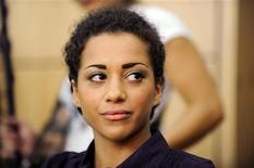 <p>Nadja Benaissa, cantora de pop alemã, aguarda início de seu julgamento. Ela confessou ter tido relações sexuais sem proteção depois de descobrir que tinha o vírus da Aids. 16/08/2010 REUTERS/Boris Roessler/Arquivo</p>