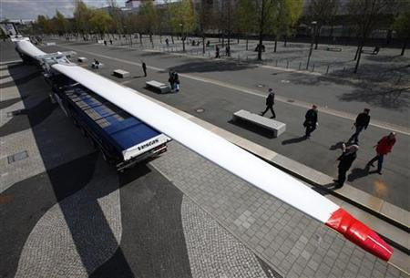 The rotor blade of a wind turbine is displayed at the ''Hannover Messe'' industrial trade fair in Hanover April 19, 2010. The Vestas V112-3.0MW wind turbine with a rotorblade lenght of 54.6 metre is able to supplie about 2,800 households (4 people) with clean energy. REUTERS/Christian Charisius
