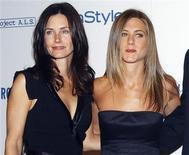 <p>Foto de arquivo de Courteney Cox e Jennifer Aniston em Beverly Hills. REUTERS/Jim Ruymen/</p>