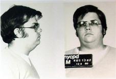 <p>Фотография Марка Дэвида Чепмена, сделанная в полицейском департаменте, 8 декабря 2005 года. 24 августа 1981 года Марк Дэвид Чепмен, убийца легендарного музыканта Джона Леннона, был приговорен к пожизненному тюремному заключению. REUTERS/STR New</p>