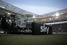 <p>A Sky television camera is seen before the live broadcast of the German Bundesliga soccer match between TSG Hoffenheim and Schalke 04's in Sinsheim August 21, 2009. REUTERS/Johannes Eisele</p>