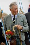 <p>Imagen de archivo del príncipe Carlos de Inglaterra, durante un evento en Caithness, Gran Bretaña. Ago 7 2010 El heredero al trono británico, El príncipe Carlos, tiene una o dos nociones sobre cómo la ropa antigua, reciclar y la industria de la moda pueden ayudar a proteger el planeta. REUTERS/David Moir/ARCHIVO</p>
