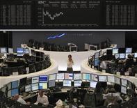 <p>Un grupo de operadores durante la jornada laboral al interior de la Bolsa de Fráncfort, Alemania, sep 6 2010. La excelencia de Alemania en el sector de ingeniería y su creciente presencia en los mercados emergentes ayudaron al país a lograr un crecimiento récord y lo mantendrán protegido de cualquier desaceleración en Estados Unidos o en sus socios de la zona euro. REUTERS/Remote/Kirill Iordansky</p>