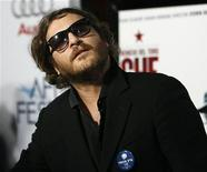 """<p>O ator Joaquin Phoenix na pré-estreia do filme """"Che"""" em Hollywood, 1o de novembro de 2008. Depois da famosa entrevista do ano passado a David Letterman, Phoenix voltará a aparecer no mesmo talk-show no dia 22 de setembro. REUTERS/Mario Anzuoni</p>"""